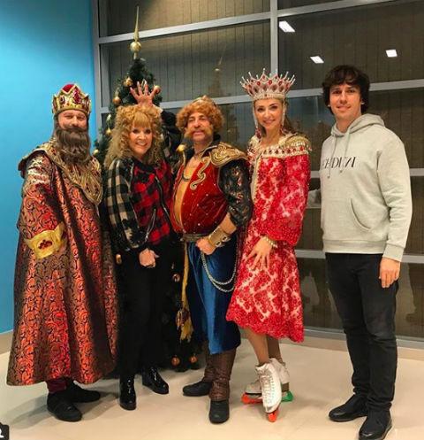 Алла Пугачева, Максим Галкин, Татьяна Навка и артисты шоу