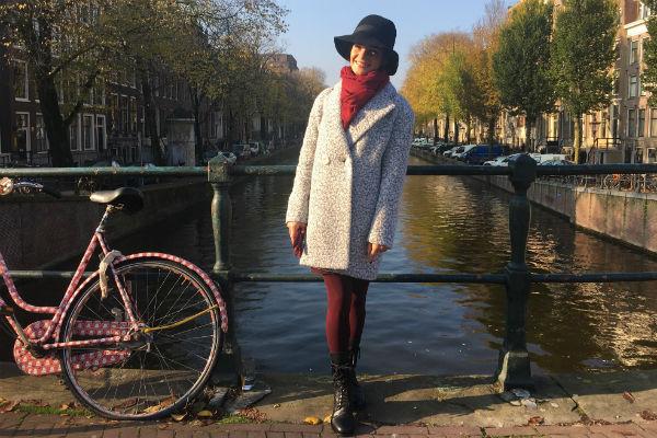 Анна Пескова на мосту в Амстердаме