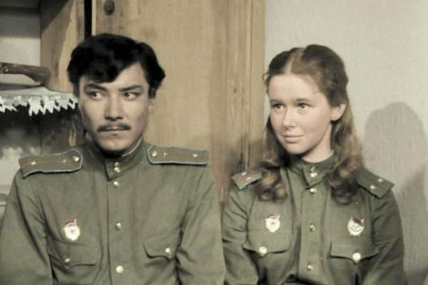 Евгения Симонова сыграла возлюбленную героя Рустама Сагдуллаева