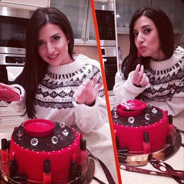 Жасмин очень понравился необычный десерт