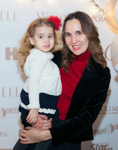 Кристина Абраменкова с дочкой