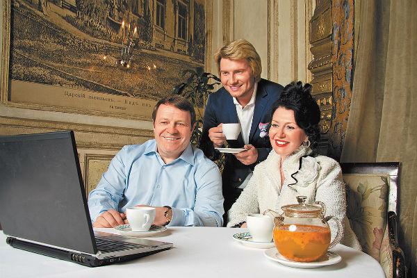 Родители певца, Виктор Владимирович и Елена Николаевна, тоже в прекрасной форме