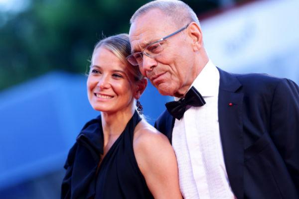 Режиссер и актриса долгое время ограничивались сдержанными заявлениями о самочувствии дочери