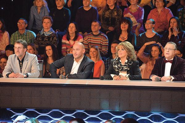 В жюри по-прежнему будут заседать Ярмольник, Казарновская, Хазанов. Аверин снова выступит приглашенной звездой