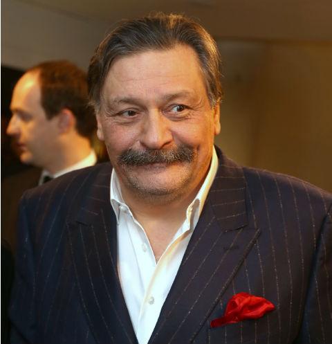 Главная звезда сериала «Кухня» сбил человека в российской столице