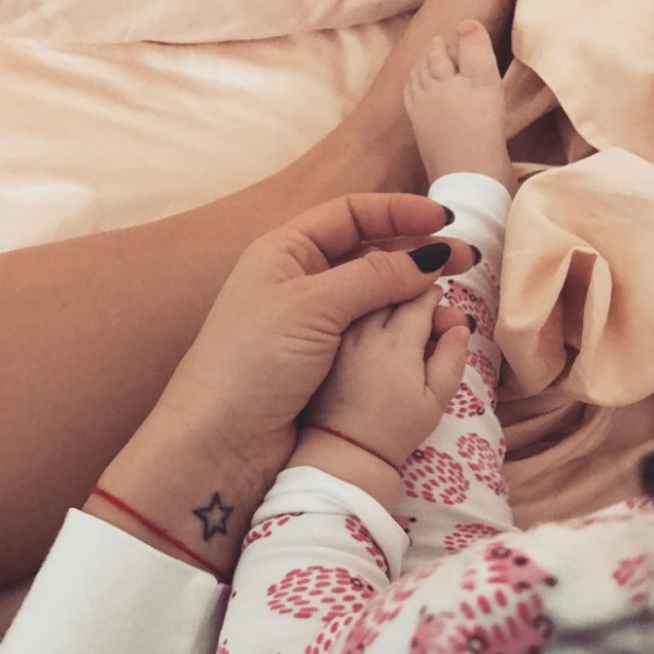 Сейчас Виктория полностью посвящает себя дочери