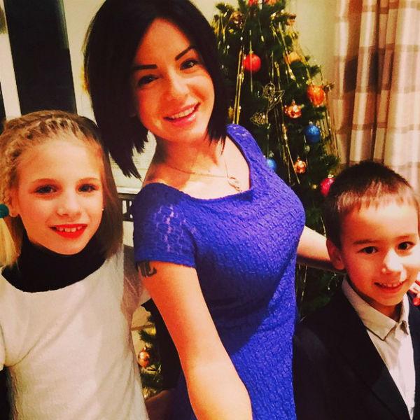 На семейных праздниках Юлия всегда рядом с детьми