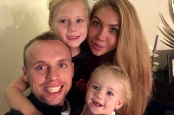 У Дениса и Дарьи подрастают двое дочерей