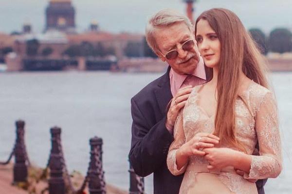 Разница в возрасте в 60 лет не пугает влюбленных