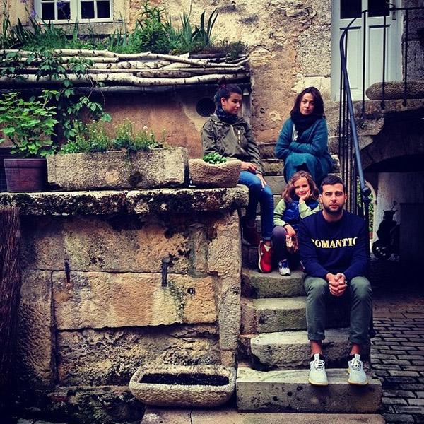 Иван с женой и дочками