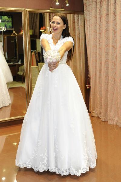 В букете невесты, петлице пиджака жениха обязательно будут цветки жасмина