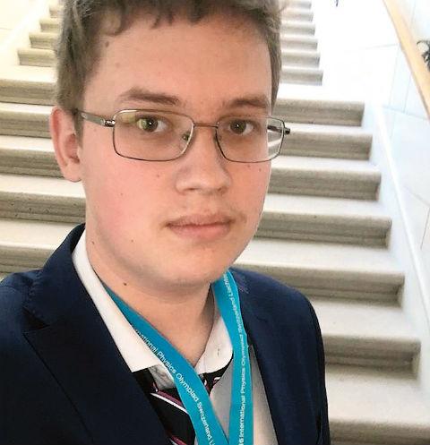 Пятый чемпион, пермяк Василий Югов, пока учится в 11-м классе