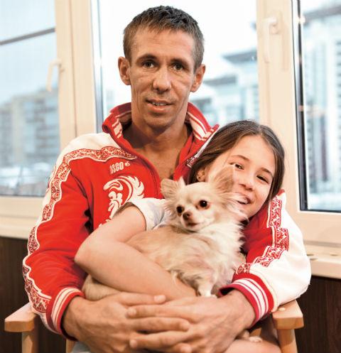 Алексей Панин и Юлия Юдинцева делят права на дочь почти 10 лет