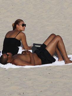 Бейонсе и Джей-Зи отдохнули на пляже Сен-Барт