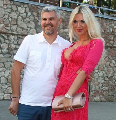 Николай Саркисов и Юлия Любичанская