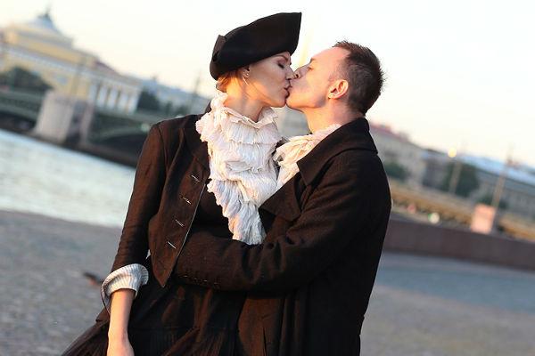 Роман и Марина не скрывали чувств на съемочной площадке