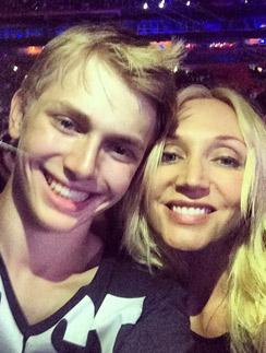 Кристина с сыном Дени на шоу в Майами