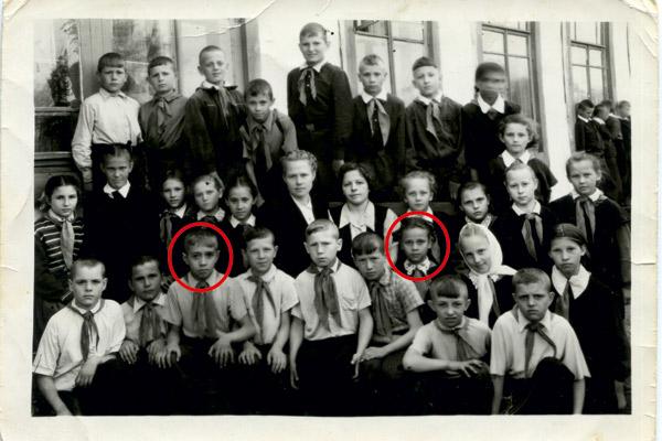 Третьеклассники Любовь Полищук и Анатолий Забелов. Фото 1959 года