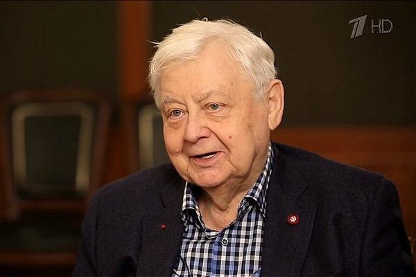 Олег Табаков родился 17 августа 1935 года