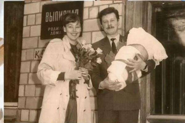 Вторым супругом Натальи Николаевны стал врач из Казахстана Владимир Соболев