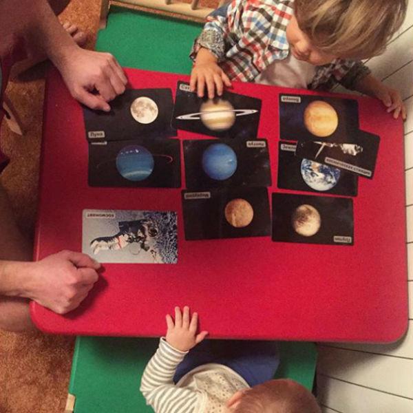 Маленькие Ваня и Максим удивляют своего папу