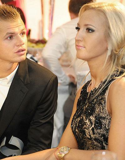 В браке с Дмитрием Ольга начала носить строгие платья.