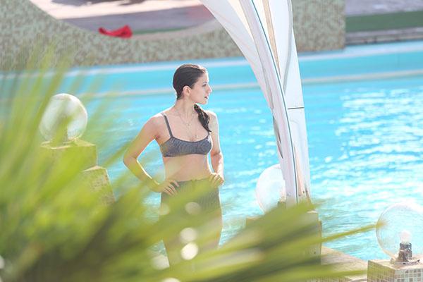 Анна Чиповская в бассейне купалась одна