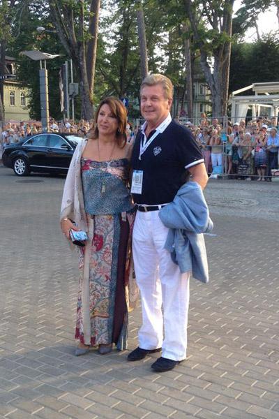 Лев Лещенко с супругой