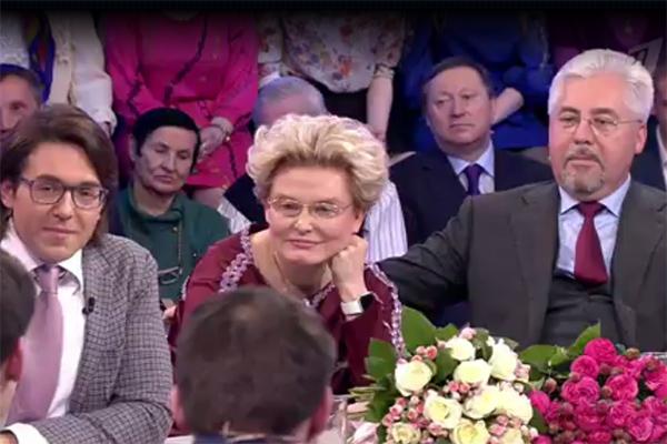 Елена Малышева с братом-близнецом Алексеем Шабуниным в гостях у Андрея Малахова