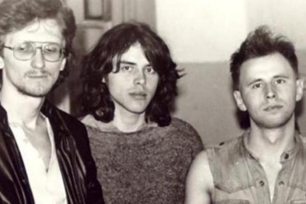 Рок-группа  «Калинов мост» основана в 1986 году в Новосибирске