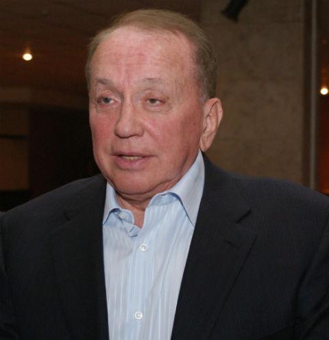 Александр Масляков уже много лет является бессменным ведущим программы