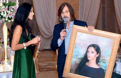 Никас Сафронов подарил 20-летнейЛеонеле ее портрет