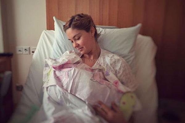 Третьего марта Агата родила дочь