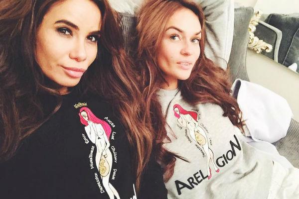 Айза Анохина и Алена Водонаева дружили несколько лет