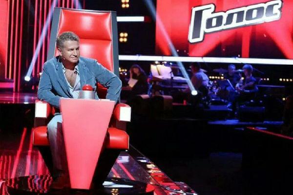 Певец начал осваиваться в кресле детского жюри шоу
