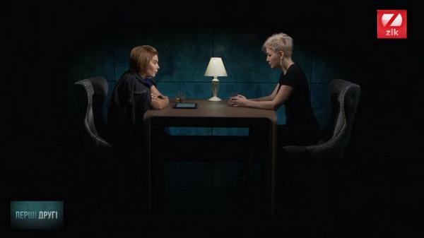 Мария Максакова беседует с ведущей Натальей Влащенко