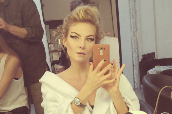 Рената Литвинова выглядит потрясающе благодаря активному образу жизни