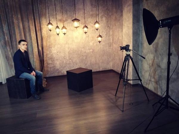 Сергей Семенов дает интервью журналистам