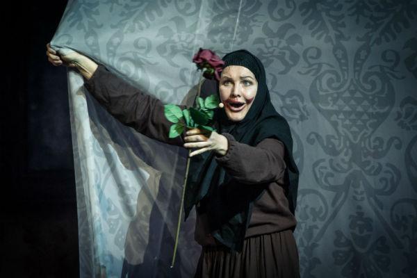 Елена Проклова в спектакле «Омут любви» по пьесе «Яма»