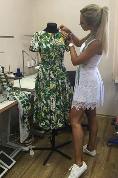 Ольга Бузова работает в своей мастерской