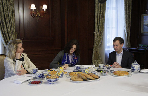 Дмитрий Медведев, Twitter, Твиттер, Facebook