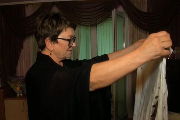 Ольга Владимировна показала концертное платье Жанны Фриске, в котором она будучи беременной последний раз выходила на сцену
