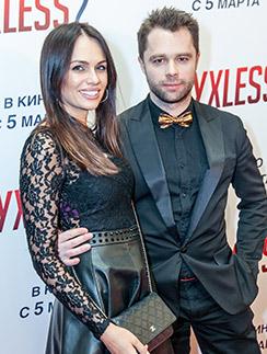 Теперь Гогунский выходит в свет с бывшей гражданской женой. На премьере фильма «Духless 2» 3 марта 2015 года
