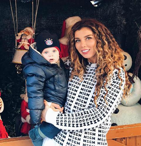 Анна Седокова с сыном