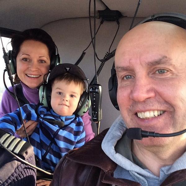 Ольга с мужем и сыном в вертолете