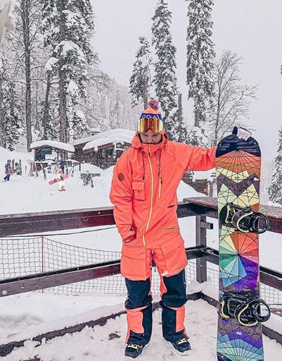 Антон Гусев покоряет горнолыжный курорт Сочи