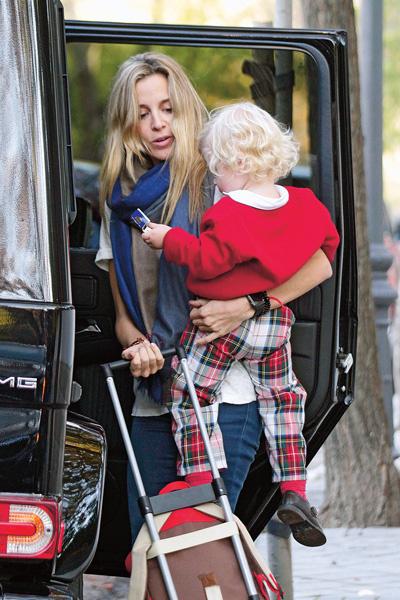 Недавно Алехандра подала на развод с Говандом Фридландом, отцом ее 3-летнего сына