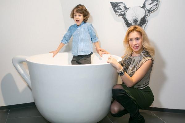 Анастасия Гребенкина с сыном тоже стали гостями мероприятия