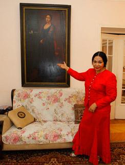 Актриса Екатерина Жемчужная в своей квартире в Москве