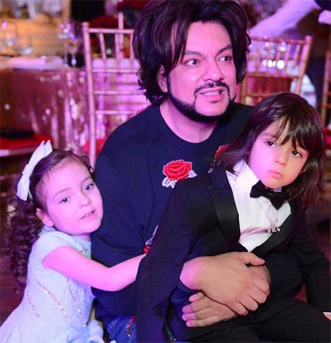 Филипп Киркоров с Аллой-Викторией и Мартином